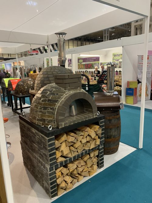 *SPECIAL OFFER Traditional outdoor brick oven - 100cm x 100cm BEAUTIFUL Grey Stone